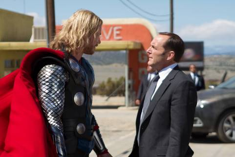 Thor, Phil Coulson, Chris Hemsworth, Clark Gregg, Avengers